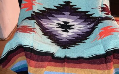 Nya handgjorda filtar med starka färger från Mexico! 399:-/st Fl 56